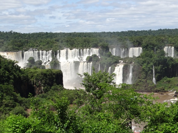 Shot of the falls from the Brazil side